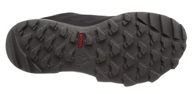 アディダステレックス トレースロッカー GORE-TEXは雨の日でも滑りにくいTraxionソール